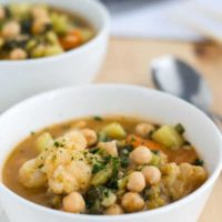 leichtes rotes Curry mit viel Gemüse. Einfach gemacht, lecker und wärmend. Recipe also in english. www.einepriselecker.de