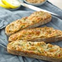 Thunfisch-Artischocken-Crostini. Recipe also in english! Schnell gemachter Snack mit nur 3 Zutaten. www.einepriselecker.de