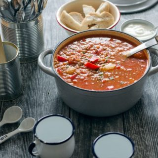 super leckere, kalorienarme und aromatische gefüllte Paprika-Suppe//stuffed pepper soup- aromatic, delicious and low calorie. Recipe also in english!