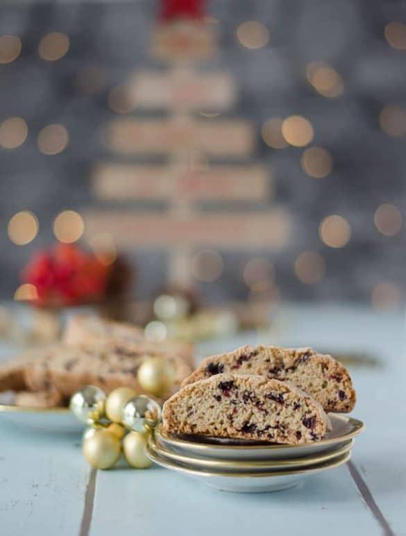 leckere, weihnachtliche Cantuccini mit Cranberries