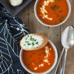 kalorienarme Paprika-Orangensuppe mit Schafskäsecrostini. Wenig Aufwand, toller Geschmack. Bell-pepper-orange soup. Easy, low calorie and very tasty! Recipe also in english!