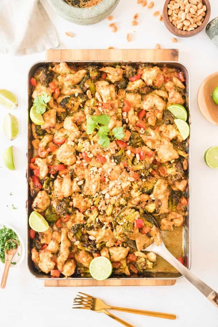 Hähnchen mit Erdnussauce und Curry vom Backblech